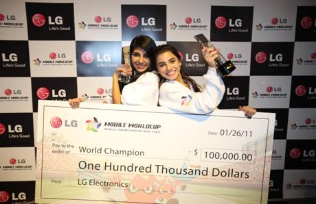 2010 – 2011 Mobile Worldcup Champions Cristina Sales Ancines (Left) and Jennifer Sales Ancines (right) the World's Fastest Texters